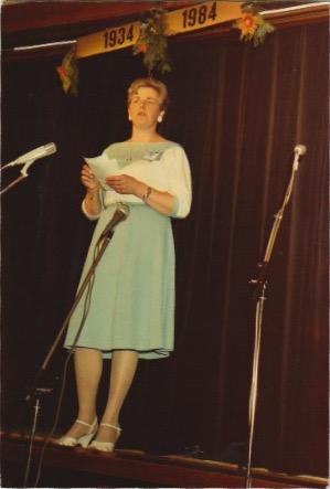 Mijn moeder op het podium in 1984